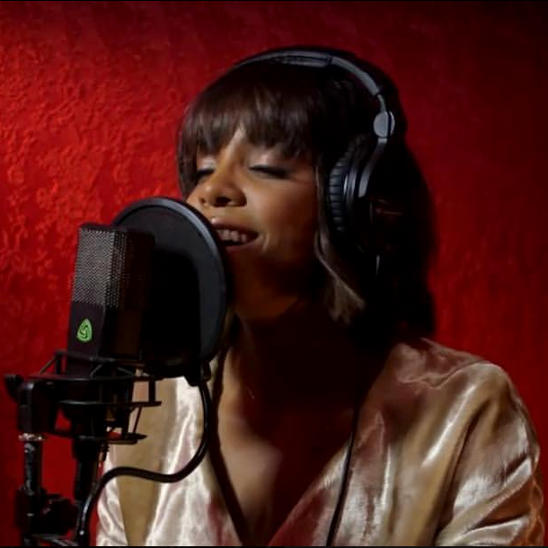 Kelly Rowland uses the LCT 840 tube mic