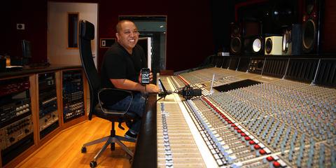 Supa Dups im Studio mit seinem LCT 940 FET/Röhren Mikrofon