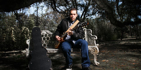 Albert Castiglia uses the MTP 550 DM reference vocal stage mic
