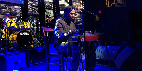 Robert Randolph uses the LEWITT MTP 550 DM reference live performance vocal microphone