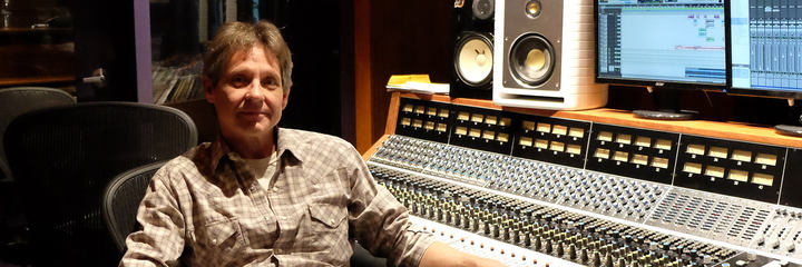 Michael Dumand, audio engineer of Robby Krieger uses the LCT 640 TS multi-pattern reference studio mic