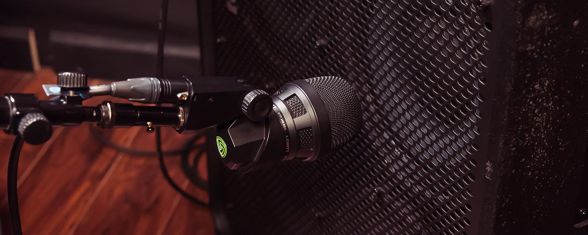 DTP 340 REX bass amp microphone