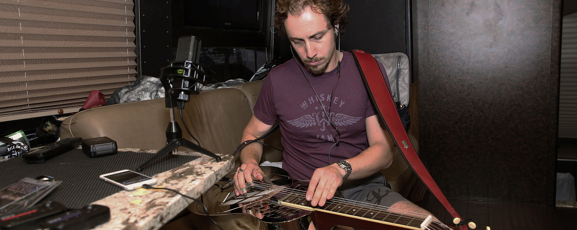 Sasha Ostrovsky touring the world, recording with his DGT 650