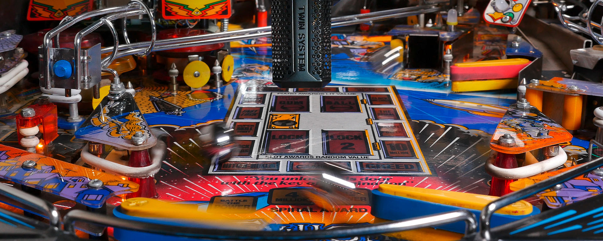 Recording in stereo the sounds of a pinball machine with the LCT 640 TS