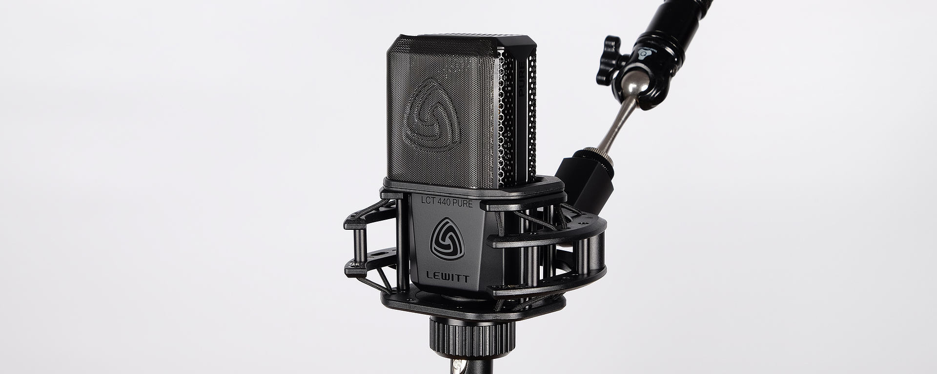 LCT 440 PURE shock mount and magnetic pop filter