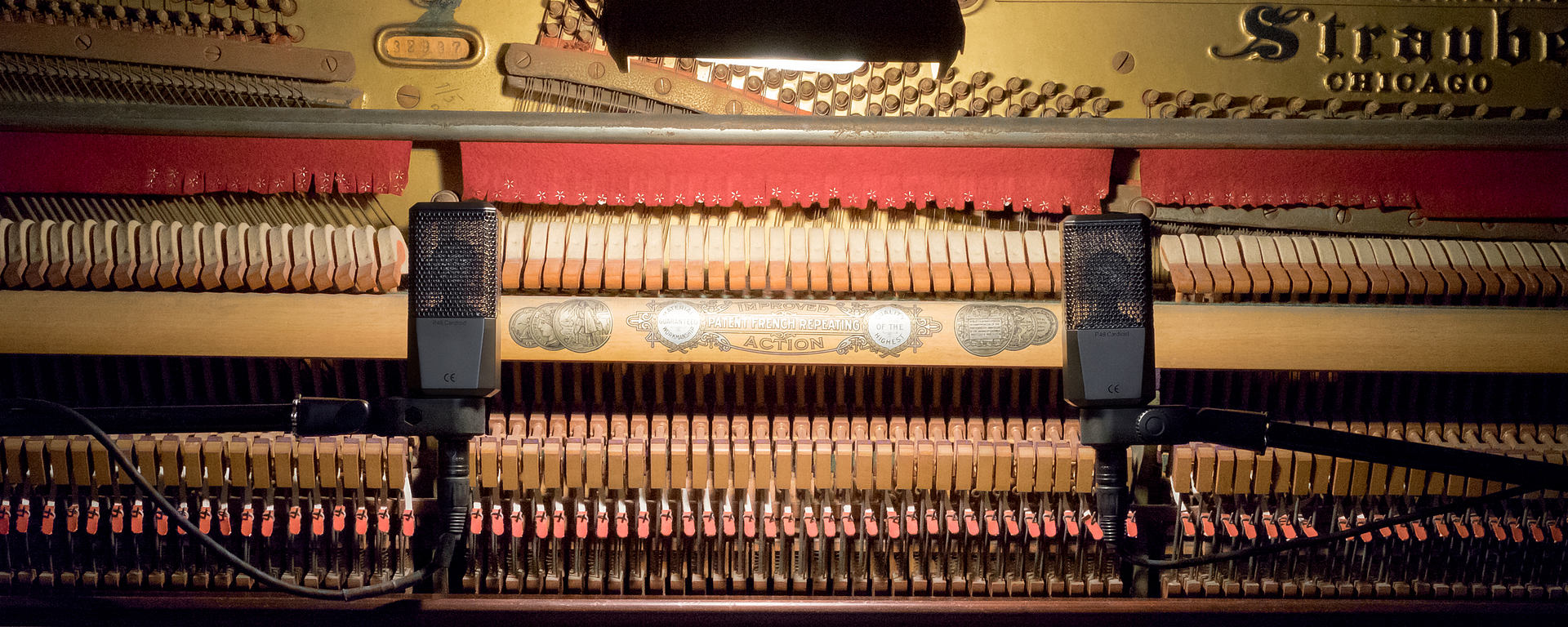 LCT 240 PRO piano
