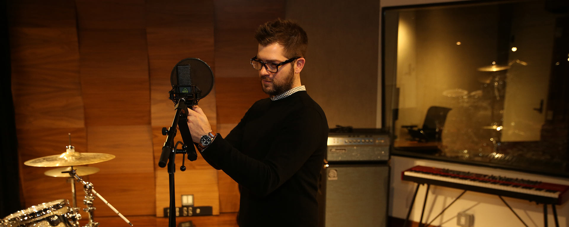 Atlantic Records using the LCT 840 multi-pattern tube microphone, the DTP 640 REX dual element kick drum mic, and the LCT 550, one of the quietest mics in the world.
