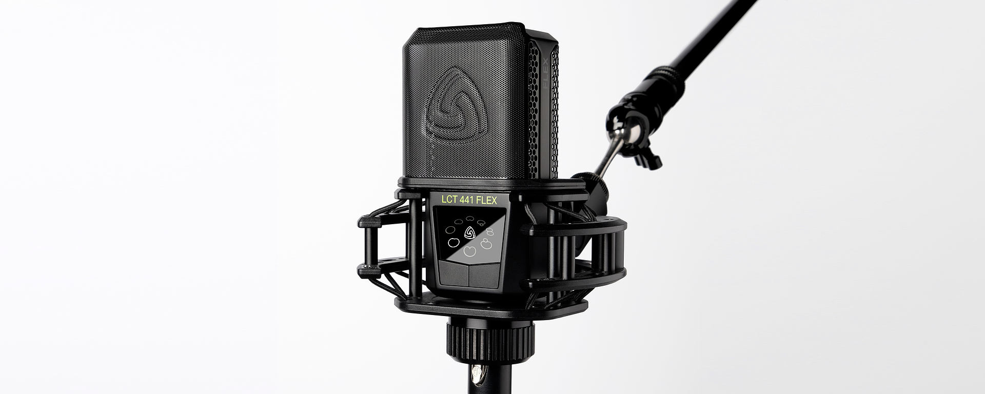 LCT 441 FLEX in shockmount with pop filter