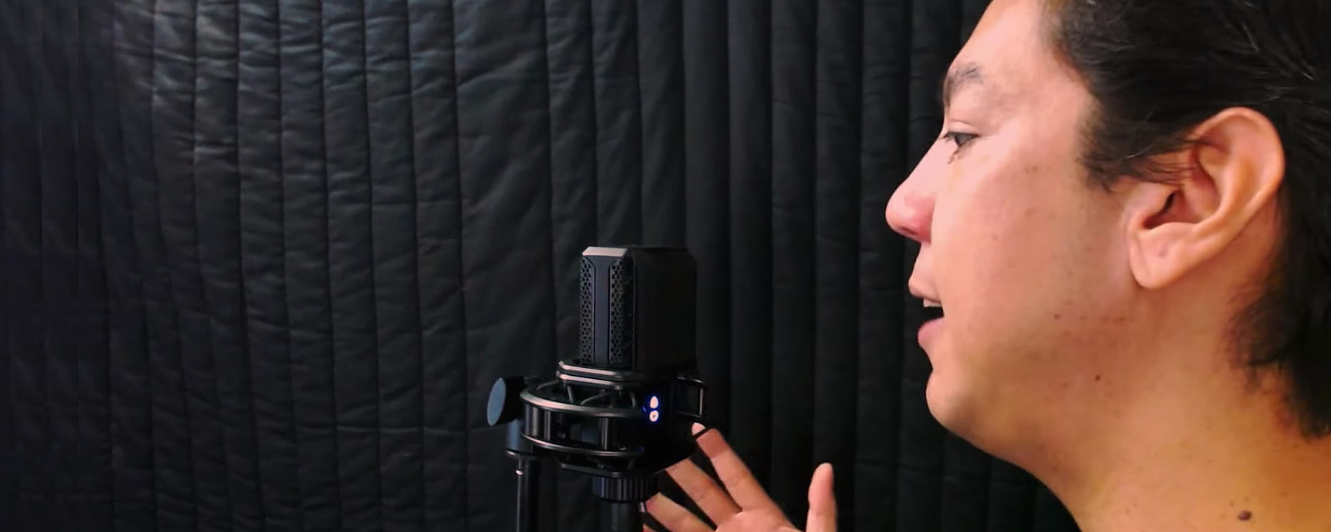 Lewin Barringer of Garaageband&Beyond gives recording tips and tricks for vocalist beginners